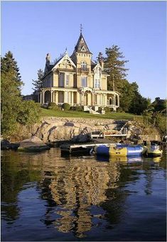 Wow. I wouldn't live this close to water, but this house is gorg.