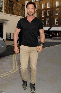 He's back! Fresh off his fun-filled trip to the Brazil World Cup, Gerard Butler also put i...