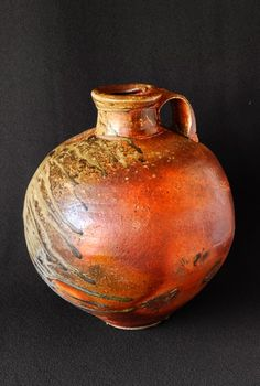 Firebox Bottle by Chester Nealie. One of my favorite potters, by far. Pottery Sculpture, Tea Ceremony, Wabi Sabi, Chester, Stoneware, Pots, Aesthetics, Clay, Japanese