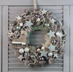 Advent Wreath - Winter wreath - a unique product by unvergaenglich be . Winter Christmas, Christmas Wreaths, Christmas Crafts, Merry Christmas, Christmas Decorations, Xmas, Holiday Decor, Feliz Hanukkah, Advent Wreath