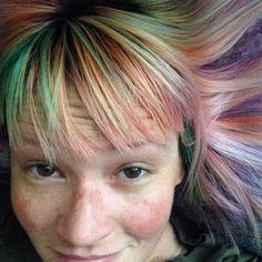 Trend, capelli opale su Instagram - VanityFair.it