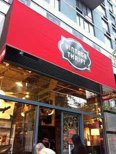 Vintage thrift shop  286 3rd Ave New York, NY 10010   (212) 871-0777 M-Th 10:30 - 8pm