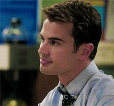 oh my god im just imagining if theo james looked at me like that... sighhhhh haha:)