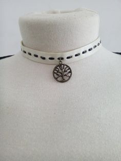 Check out this item in my Etsy shop https://www.etsy.com/pt/listing/265027757/white-choker-tree-of-life