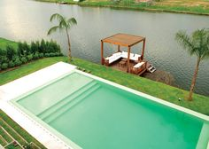 Possible to add wading area to pool when we resurface? Amazing Swimming Pools, Swimming Pools Backyard, Swimming Pool Designs, Cool Pools, Backyard Pool Designs, Small Backyard Landscaping, Pond Tubs, Swimming Pool Architecture, Ideas De Piscina