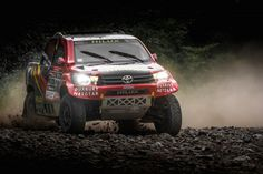 Defending Donaldson Cross-Country champions, Castrol Team Toyota's Anthony Taylor and Dennis Murphy, are fully prepared to tackle 2015 season. The pair have tested the new specification Toyota Hilux race vehicle, which is based on the vehicle that saw Gin Team Toyota, Toyota 4x4, Toyota Hilux, Motorcycle Images, Truck Design, Rally Car, Cross Country, Car Show, Monster Trucks