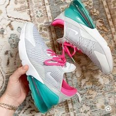 it, a shopping discovery app that allows you to instantly shop your favorite influencer pics across social media and the mobile web. Air Max Sneakers, High Top Sneakers, Sneakers Nike, Air Max 270, Crazy Shoes, Nike Huarache, Cool Kids, Gingham, Nike Air Max