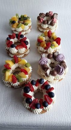 An outstanding variety of delectable tarts! An outstanding variety of delectable tarts! Tart Recipes, Baking Recipes, Dessert Recipes, Fancy Desserts, Just Desserts, Mini Cakes, Cupcake Cakes, Biscuit Cake, Number Cakes