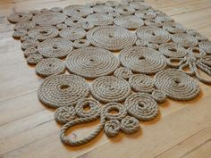 Rustic carpet Rustic rug Rustic style by ukrainianall on Etsy Rope Crafts, Diy Home Crafts, Diy Craft Projects, Tapetes Diy, Diy Para A Casa, Homemade Rugs, Rope Rug, Style Rustique, Rustic Rugs