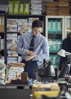 "[Drama] Even more behind-scenes photos of Ji Chang Wook in ""Suspicious Partner"" Ji Chang Wook Smile, Ji Chang Wook Healer, Korean Star, Korean Men, Asian Actors, Korean Actors, Korean Dramas, Suspicious Partner Kdrama, Lee Sun"