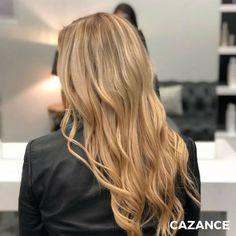 Créer des mèches en painting plus clair, alternées avec des mèches dorées plus foncées pour obtenir différentes nuances et donner du relief & du volume à la chevelure. Un brushing smooth pour un effet naturel qui met en valeur les différentes nuances de blond. N'hésitez-pas à consulter nos spécialistes en coiffure ☎ +41 (0)22 320 52 52 #Coiffure #Coiffage #Coloration #Balayage #LaBiosthetique #Suisse #Geneve #Geneva Relief, Hair Extensions, Hair Cuts, Hair Color, Long Hair Styles, Beauty, Painting, Different Shades Of Blonde, Golden Blonde Highlights