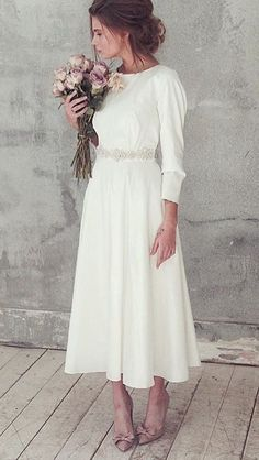 99 Fashionable Tea Length Wedding Dress Ideas To Try Asap Have you been thinking about tea length wedding dresses? Many soon to be brides are these days. They're becoming very … - 99 Fashionable Tea Length Wedding Dress Ideas To Try Asap Wedding Dress Rose, Wedding Dress Trends, Wedding Gowns, Wedding Reception, Low Key Wedding Dress, Wedding Bridesmaids, Dresses Short, Tea Length Dresses, Simple Dresses