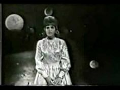"Skeeter Davis sings ""The End of the World"" live at the Star Route Show in 1963"