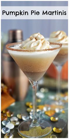 This Pumpkin Pie Martini recipe is a guaranteed hit of any holiday cocktail party. This made for Thanksgiving cocktail puts a whole new spin on what you should be drinking this fall. If you're hosting a Thanksgiving cocktail party this is a must serve! Thanksgiving Cocktails, Holiday Cocktails, Thanksgiving Recipes, Fall Recipes, Christmas Drinks, Top Recipes, Martini Recipes, Drinks Alcohol Recipes, Cocktail Recipes