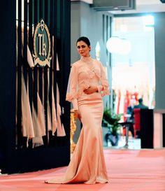 Günün güzel başlangıcı #houtecouture #ozeldikim #abiye #gelinlik #fashion #fashionblogger #modest #dugun