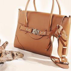 Combinação queridinha! #shoestock #verao2015 #caramelo #neutros #summertime - Ref 09.03.0149 - 15.07.2151