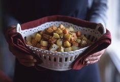 One of my favorite holiday side dishes... Roasted Caramelized Root Vegetables #LeitesCulinaria #LCHolidayTable