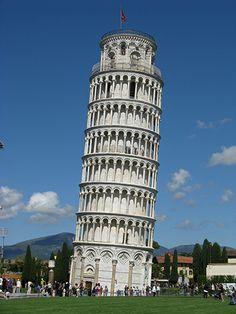 Gebouw: De toren van Pisa. Hij staat in Italië in de stad Pisa. De toren van Pisa is een toeristische atractie.