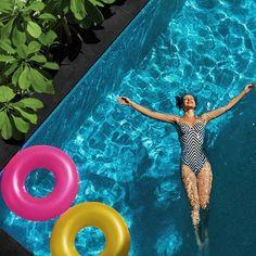Bikinis und Badeanzüge richtig waschen - so geht's!