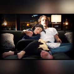 @sablelab Balfe-Heughan house Sam with his girls A relaxing night in After a hard day of filming