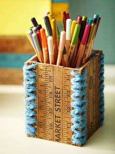 Not sure I like the yarn on the corners, but very cute pencil cut. Great to put on my desk in the library.