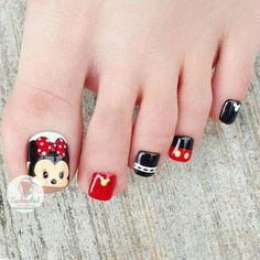 Birthday quotes love for him boyfriends for him Ideas Pretty Toe Nails, Cute Toe Nails, Love Nails, Disney Toe Nails, Mickey Nails, Disney Nail Designs, Toe Nail Designs, Pedicure Nail Art, Toe Nail Art