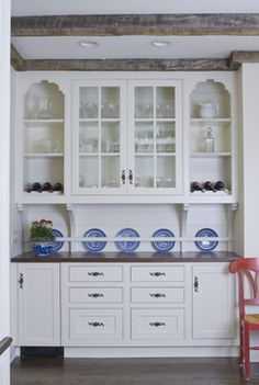 Traditional Kitchen built in buffet Design Ideas, Pictures, Remodel and Decor
