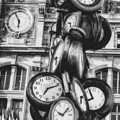Extra hour in bad ; French Lifestyle, Time T, Paris, Pocket Watch, Black And White, Images, Inspired, Quotes, Black White