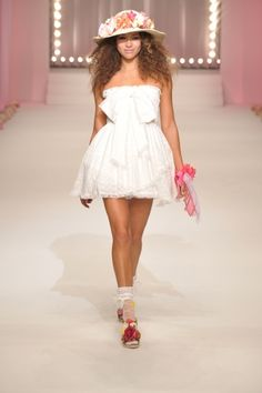 2011 S/S | LIZ LISA | Mercedes-Benz Fashion Week TOKYO Japanese Fashion, Japanese Style, Popteen, Liz Lisa, Runway Fashion, Womens Fashion, Gyaru, The Body Shop, Cute Dresses