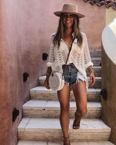 "37 looks de verão para se inspirar! - "" The Effective Pictures We Offer You About trends moda A quality picture can tell you many thin - Summer Vacation Outfits, Honeymoon Outfits, Trendy Summer Outfits, Cruise Outfits, Holiday Outfits, Boho Outfits, Cancun Outfits, Casual Bar Outfits, Honeymoon Clothes"