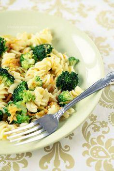 Vegan broccoli and pasta dish