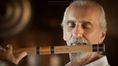 Flute Music for Meditation by Shastro. Taken from the original video recorded live of a one hour Doorway to Silence guided meditation led by Shastro: https:/. Meditation Youtube, Meditation For Beginners, Meditation Techniques, Music Web, Music Songs, Music Videos, Meditation Musik, Chakra Meditation, Evening Meditation