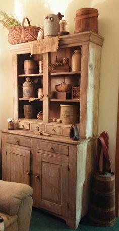 37 Antique Cupboard with Charming Farmhouse Decor Country Cupboard, Antique Cupboard, Primitive Home Decorating, Primitive Decor, Country Primitive, Primitive Furniture, Wood Furniture, Antique Furniture, Country Decor