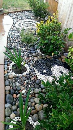 38 wonderful front yard rock garden landscaping ideas that you need to see genius low maintenance rock garden design ideas for frontyard and backyard 62 Zen Rock Garden, Rock Garden Design, Garden Paths, Rock Garden Borders, Japanese Rock Garden, Garden Stones, Landscaping With Rocks, Backyard Landscaping, Landscaping Ideas