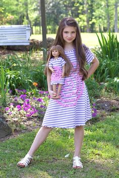 Lilli Lovebird Shelley dress with matching doll dress. Doll garments fit 16-18 inch dolls such as e.g. American Girl. Available on www.lillilovebird.com