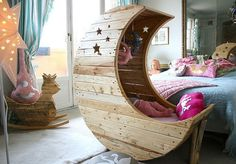 Moon Shaped Cradle made from upcycled pallets - love this!