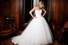 love this pose ... bridals by The Photo Love