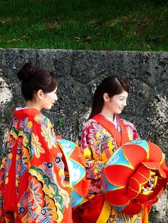 "Okinawa Traditional Costume, known as ""Ryuso"" is actually called ""Ushinchi"":: Kimono Japan, Japanese Kimono, Japanese Lady, Traditional Kimono, Traditional Dresses, Ikebana, Japanese Festival, This Girl Can, Naha"