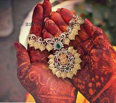 Jewellery Designs: Trendy Kasu Necklace with Diamonds