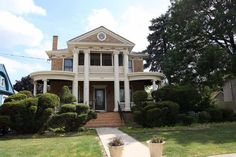 Victorian homes exterior, victorian houses, historic homes for sale, histor Victorian Homes Exterior, Victorian Houses, Historic Homes For Sale, Open Staircase, Dream House Interior, Secret Rooms, Custom Kitchens, Old House Dreams, House Rooms