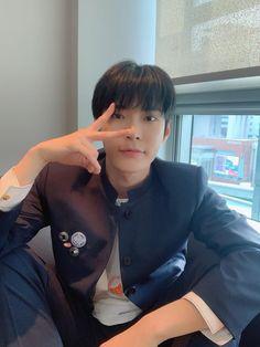 """ً on Twitter: """"[Dear U. bubble] #DOYOUNG… """" Winwin, Taeyong, Jaehyun, Nct 127, Christian Boyfriend, Johnny Lee, Nct Doyoung, Kim Dong, Kpop"""