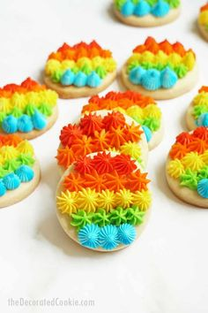 RAINBOW COOKIES. These gorgeous rainbow cookies, piped with frosting and open star decorating tips, are a fun dessert for Pride month. Oatmeal No Bake Cookies, Almond Joy Cookies, Blueberry Cookies, Lemon Cookies, Sugar Cookies Recipe, Yummy Cookies, Favorite Cookie Recipe, Best Cookie Recipes, Holiday Recipes