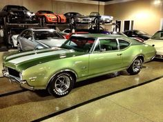 Old cars garage oldsmobile 442 Ideas General Motors, Hot Rods, Oldsmobile Cutlass, Old School Cars, Sweet Cars, Us Cars, American Muscle Cars, Ms Gs, Automobile