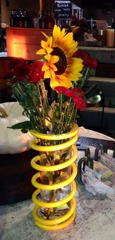 Fun springy vase!!