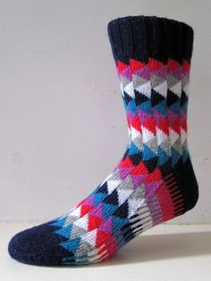 Free Knitting Pattern for Gander Socks - A very simple stranded sock pattern of triangles, ideal to use up leftovers. Designed by General Hogbuffer. Crochet Socks, Knitting Socks, Hand Knitting, Knit Crochet, Wool Socks, Ski Socks, Baby Knitting Patterns, Knitting Projects, Knits