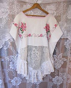 One size fits most oversize upcycled white and pink linen / lace top plus size loose fit clothing artsy eco boho top by Lily Whitepad Upcycled Vintage, Vintage Lace, Vintage Pink, Vintage Sewing, Vintage Embroidery, Embroidery Designs, Embroidery Stitches, Altered Couture, Vintage Tablecloths