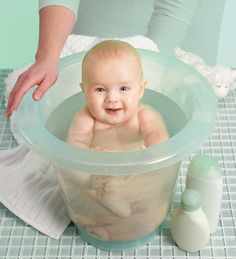 Seu bebê faz drama e chora na hora do banho? É, algumas crianças realmente dão mais trabalho do que outras neste momento. Se esse é realmente o caso de seu filho, veja algumas dicas que mostram como deixá-lo mais calmo para um banho mais tranquilo: Leia ainda:A importância do zinco para gestante e bebê Dicas …