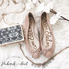 "Sam Edelman Light Pink Ballet Flats These delicate & dainty flats are cute basics that can be dressed up or down & they are in a soft shade of salmon pink{actual color of item may vary slightly from pics}  *length:10.5"" *width:3.5"" *material/care:feels like leather  *fit:might work for 8.5"" *condition: pre-loved, light wear/good condition   🌸20% off bundles of 3/more items 🌸No Trades  🌸NO HOLDS 🌸No transactions outside of Poshmark  🌸No lowball offers Sam Edelman Shoes Flats & Loafers"