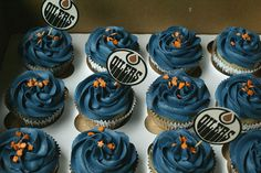 Edmonton Oilers themed cupcakes! | by Coco Cake Land