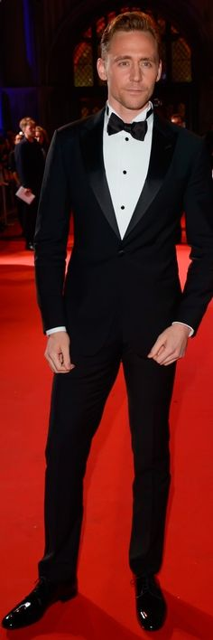 Tom Hiddleston attends the BFI Luminous Fundraising Gala at The Guildhall on October 6, 2015 in London, England. Full size image: tom-hiddleston.co... Source: tom-hiddleston.co...